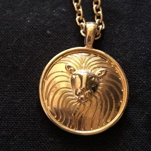 🌈5/$25🌈 Lion medallion necklace